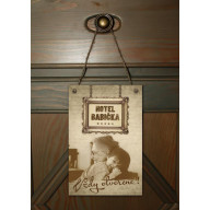 Tabuľka - Hotel Babička