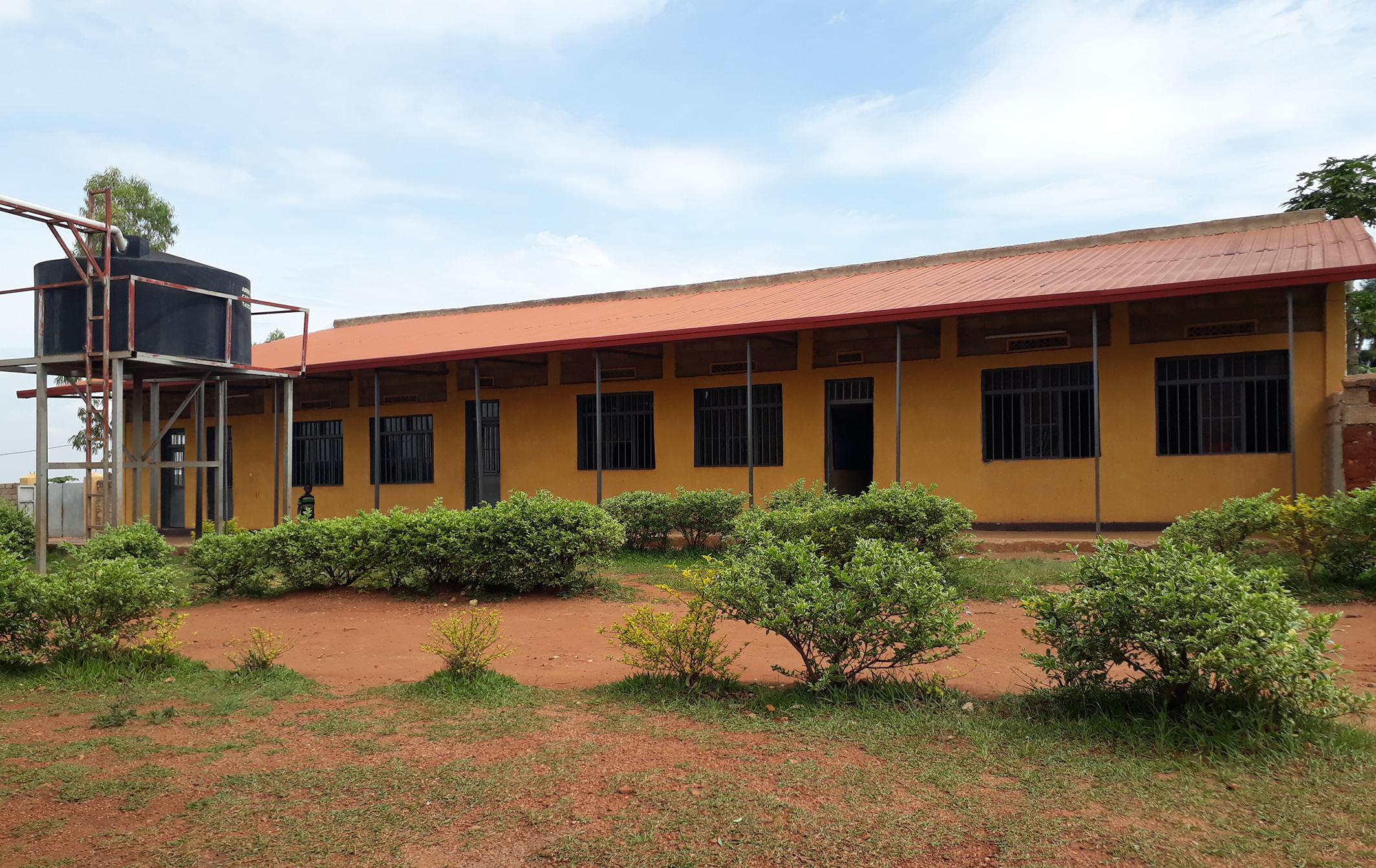 Vy píšete, my platíme. Spolu podporujeme túto školu v Afrike.